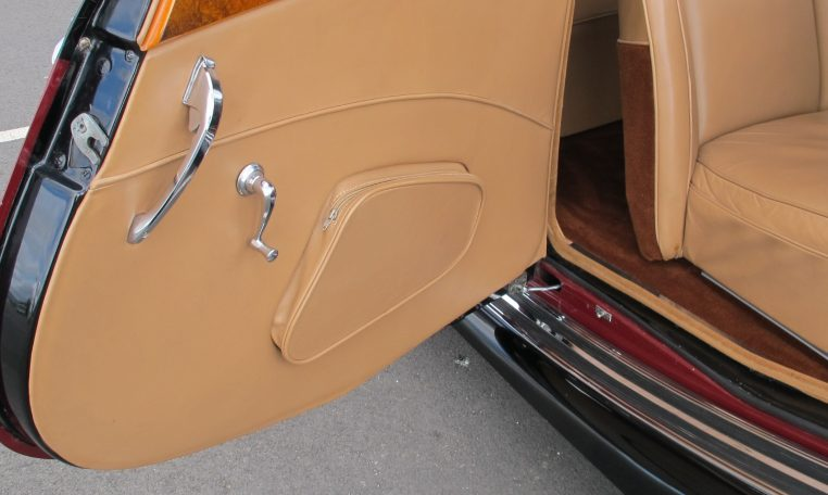 1949 Jaguar MK V - Inside Drivers Door