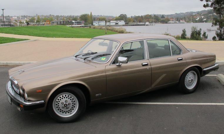 1989 Jaguar Sovereign - Passenger Side