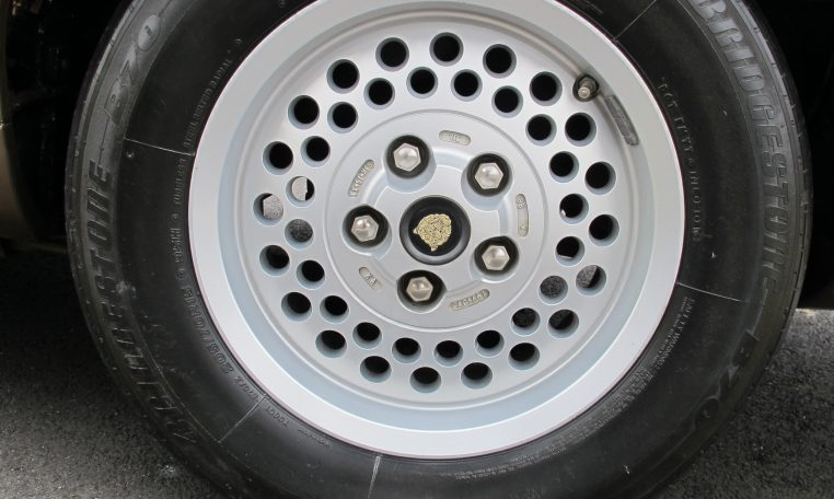 1989 Jaguar Sovereign - Wheel