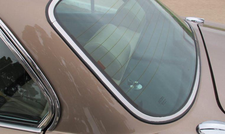 1989 Jaguar Sovereign - Back Window