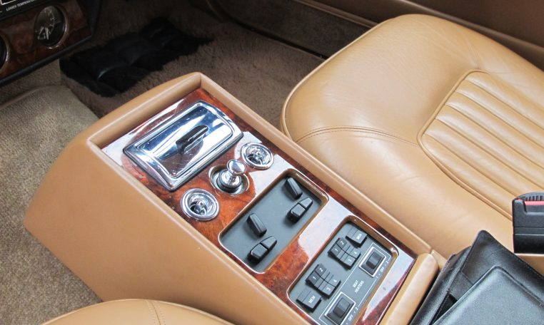 1990 Bentley Eight - Centre Console Controls
