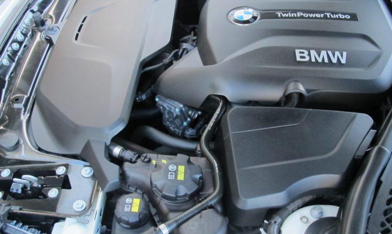 2016 BMW 320i F30 - Engine Bay