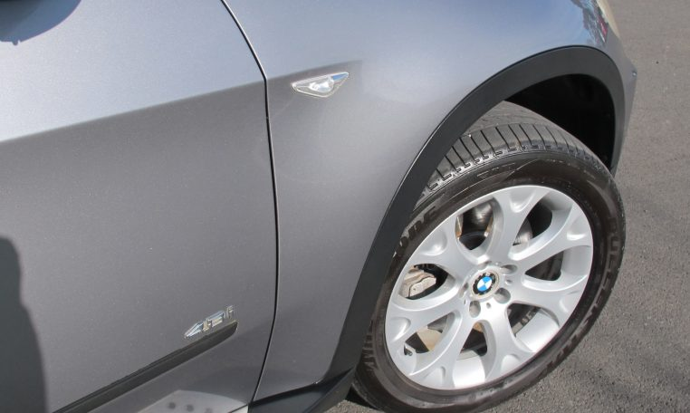 2007 BMW X5 - Drivers Side Front Wheel