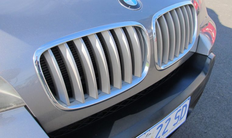 2007 BMW X5 - Front Grill
