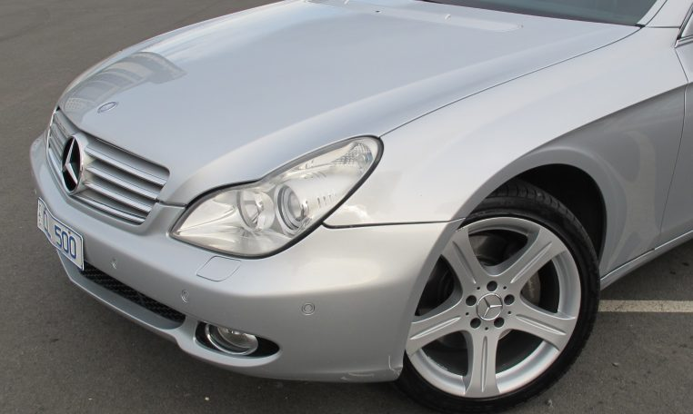 2005 Mercedes CLS500 - Front Wheel/Head Light