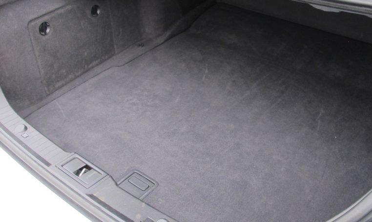 2005 Mercedes CLS500 - Boot