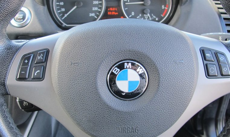 2007 BMW 120d - Steering Wheel
