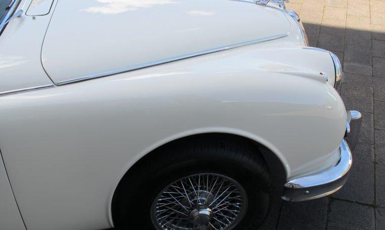 1960 JAGUAR MARK II - BONNET