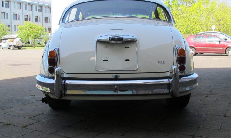 1960 JAGUAR MARK II - REAR VIEW