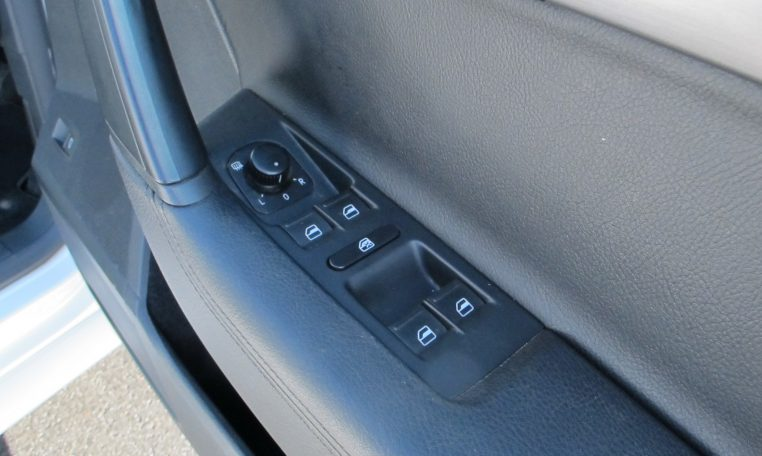 2011 VW PASSAT - ELECTRIC WINDOW CONTROLS