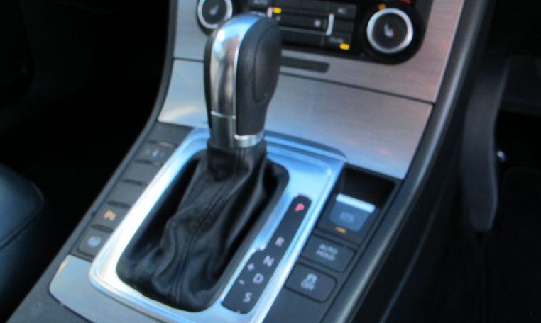 2011 VW PASSAT - AUTOMATIC GEAR SHIFTER