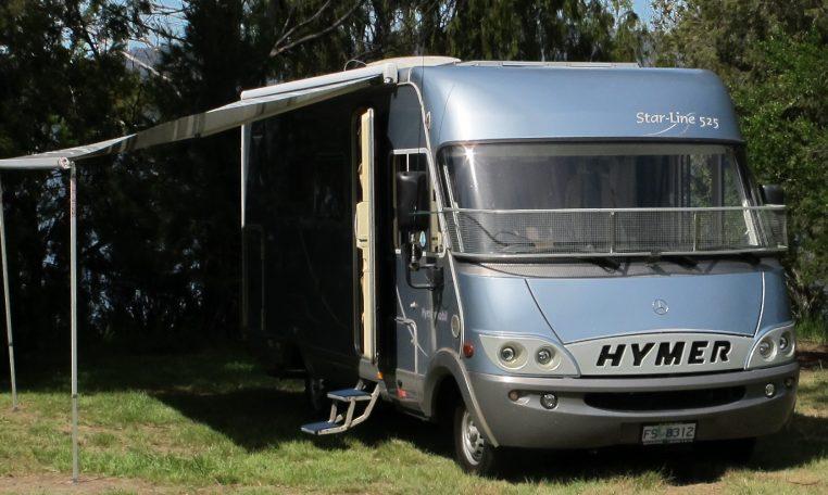 2006 Hymer MotorHome - Awning
