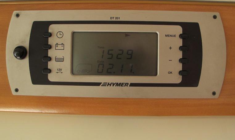2006 Hymer MotorHome - Clock