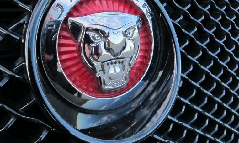 2015 Jaguar XF - Badge
