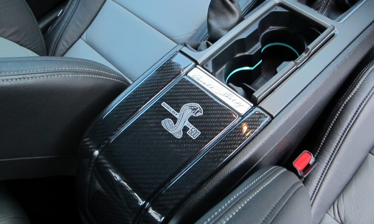 2014 Ford Mustang - Console