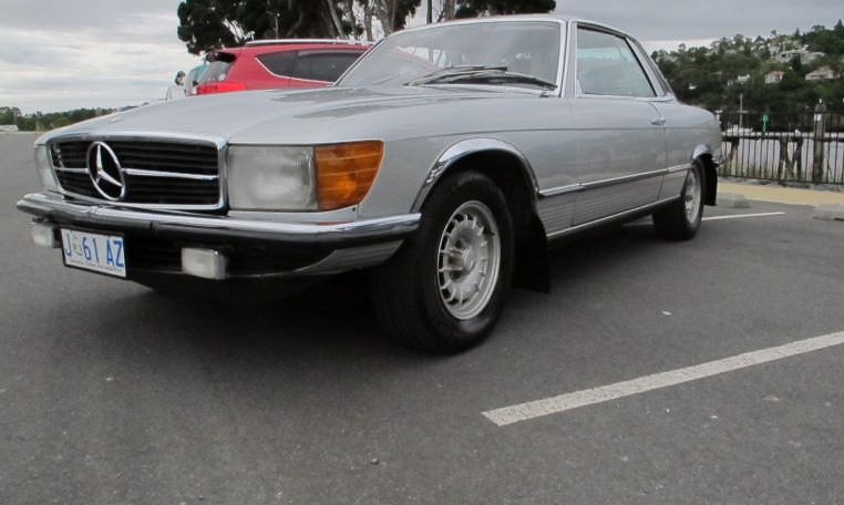 1974 Mercedes Benz - Headlight & Front Wheel