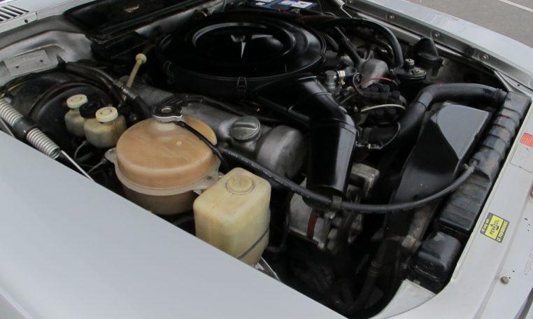 1974 Mercedes Benz - Engine Bay
