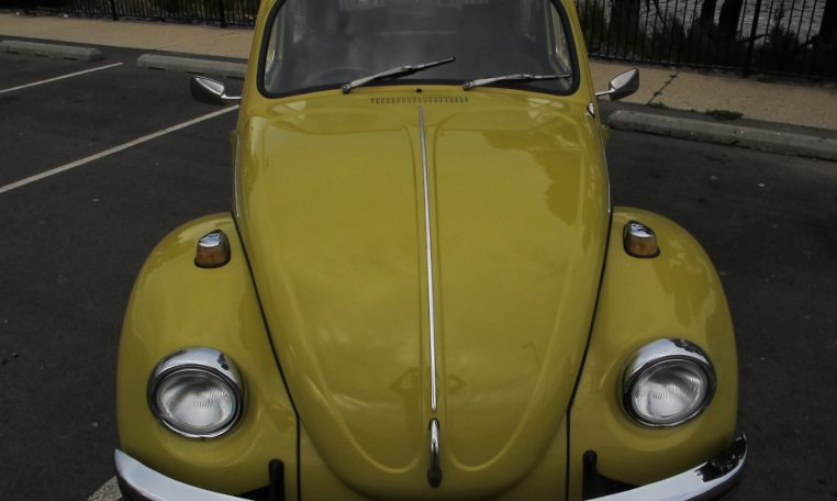 1974 VW Beetle - Front View